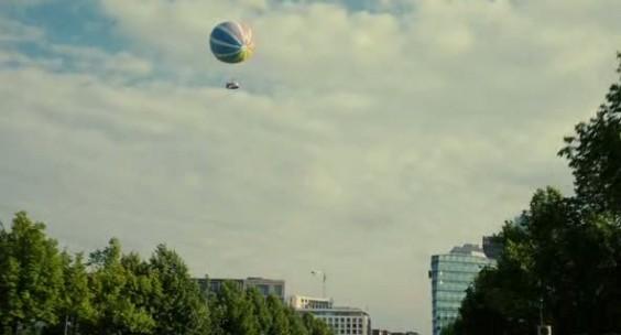 Der Sat.1-Ball hat es auch in den Film geschafft.