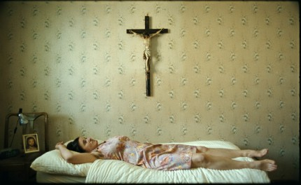 Paradies Glaube (Ulrich Seidl)