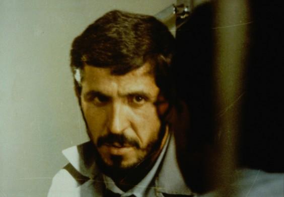 Aus Persektive des Filmliebhabers das vielleicht anspielungsreichste Meisterwerk von Abbas Kiarostami: Close-up (1990)